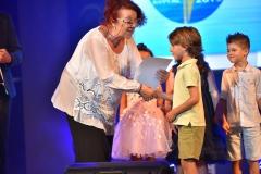 Награждаване на най-малките финалисти